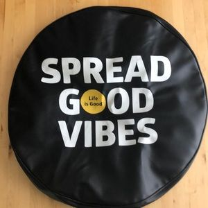 """Spread Good Vibes Tite Cover-28"""""""